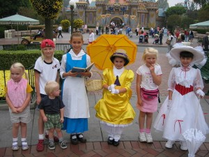little kids at disneyland